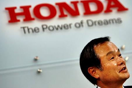 Actos que hacen grande a una marca, Honda y Toyota