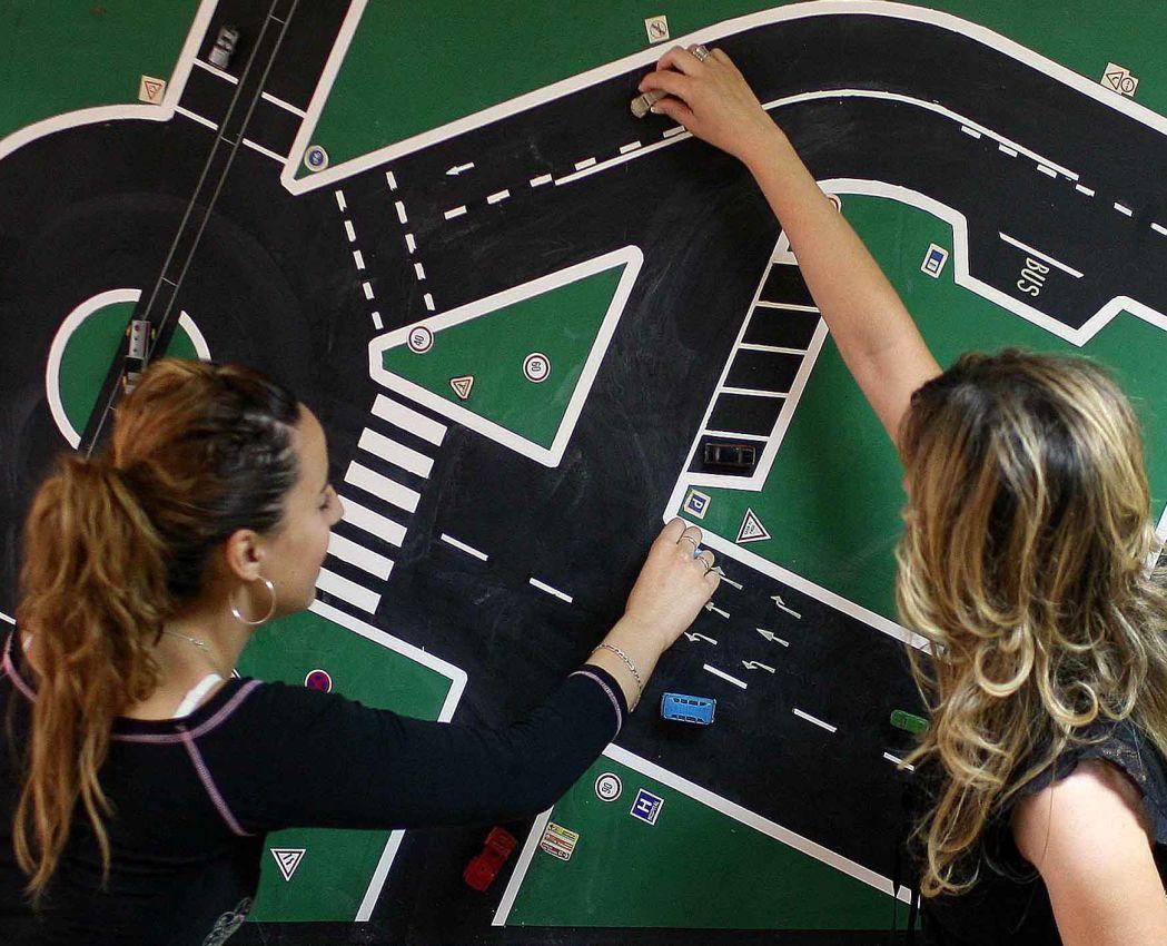 La CNAE propone exámenes de conducir eficientes