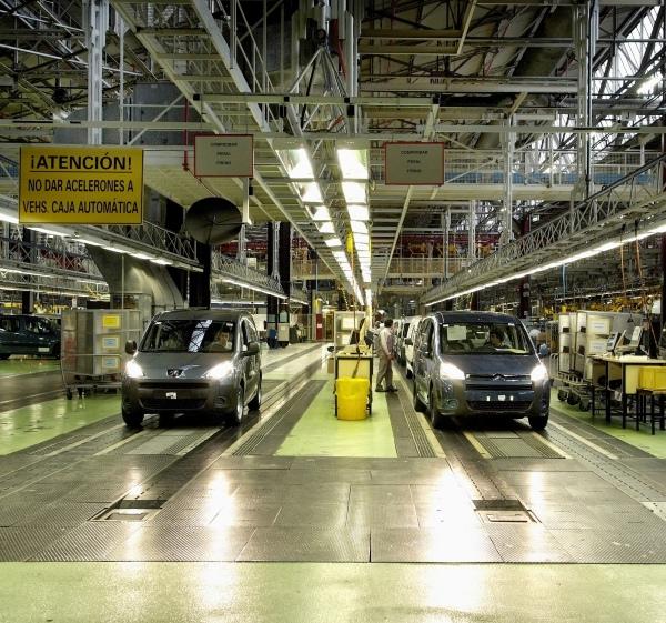 15.000 furgonetas eléctricas al año fabricadas en Vigo