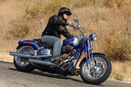 Premios Darwin del motor: Activista en contra de los cascos muere en accidente de moto