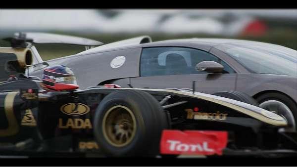 Lotus Renault GP R30 contra Bugatti Veyron