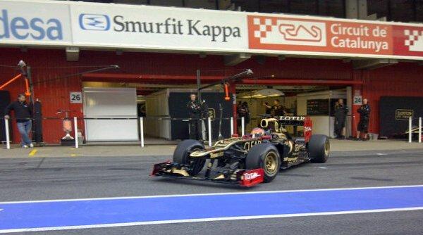 Lotus se lleva el mejor tiempo en los tests de Barcelona