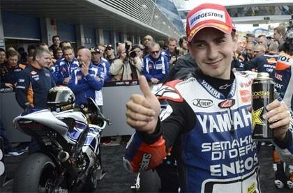 GP Le Mans MotoGP: Lorenzo se lleva la victoria y se coloca líder