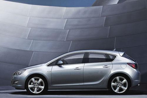 El Opel Astra podría dejar de ser fabricado en Alemania a partir de 2015
