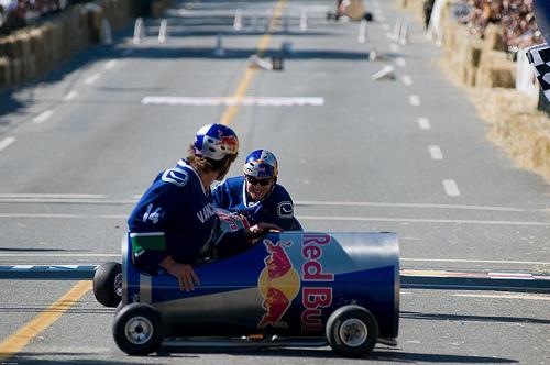 Thierry Neuville estrella cómicamente otro Red Bull