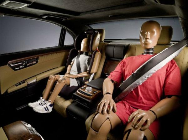 Mercedes usará cinturones de seguridad hinchables