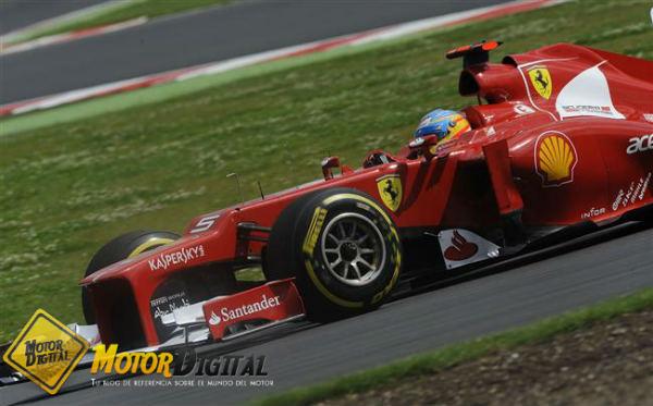 Webber y Pirelli le roban la victoria a Alonso en Silverstone