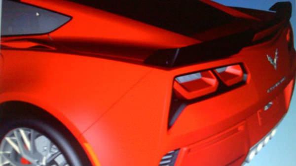 Esta es la trasera del nuevo Corvette C7