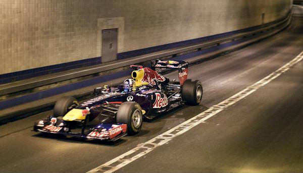 ¿Que tal el Red Bull de F1 en el túnel de New Jersey al natural?
