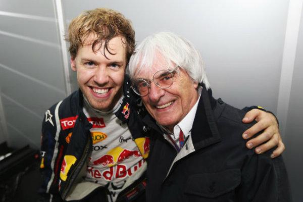 """Ecclestone le da una bofetada a Ferrari por """"la banderita"""""""