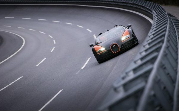 La sorpresa de Bugatti era el récord del Veyron Grand Sport Vitesse