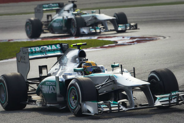GP F1 China 2013: Pole para Hamilton