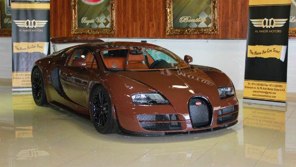 ¿Cuánto pagarías por un Bugatti Veyron color mierda?
