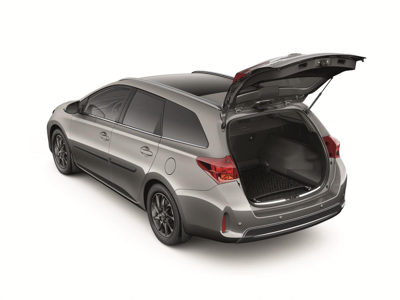 Toyota añade a la gama del Auris Touring Sports una completa línea de accesorios