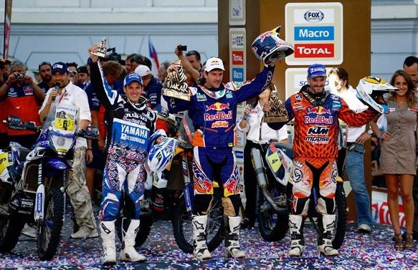 Podio Motos Dakar 2014: (de izda a dcha) 3º Olivier Pain, 1º Marc Coma, 2º Jordi Viladoms