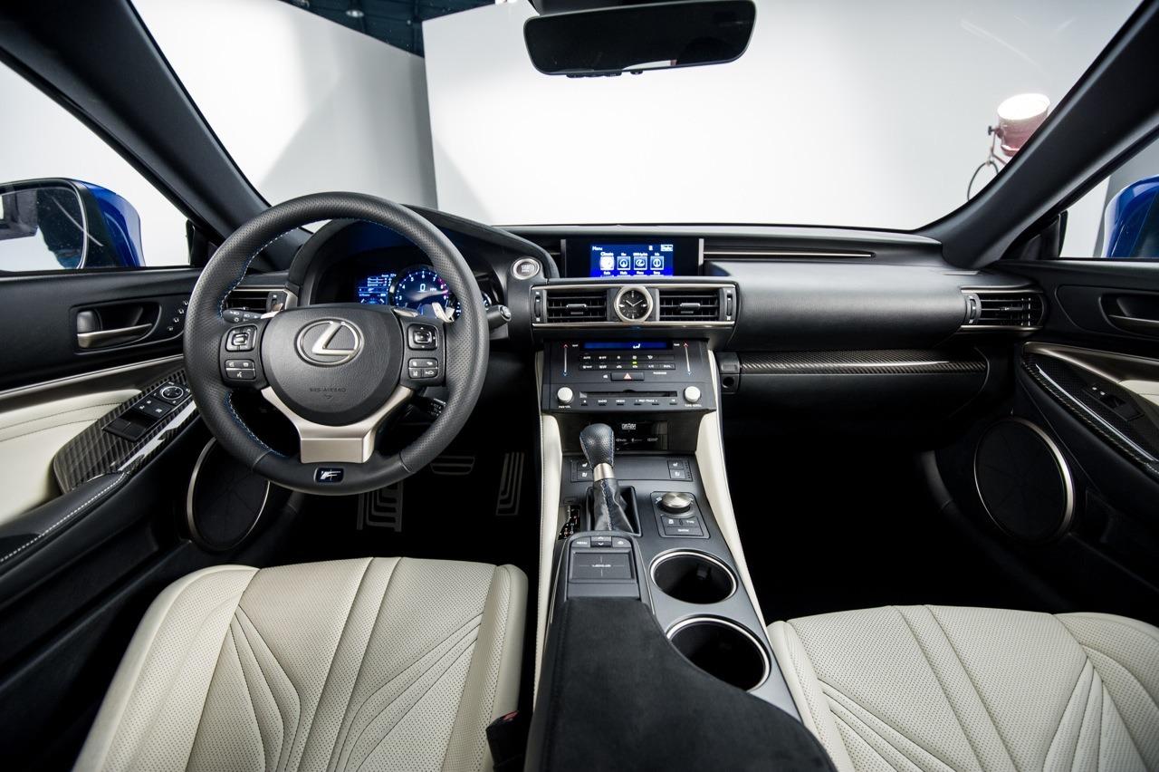 Así se muestra el impresionante Lexus RC F