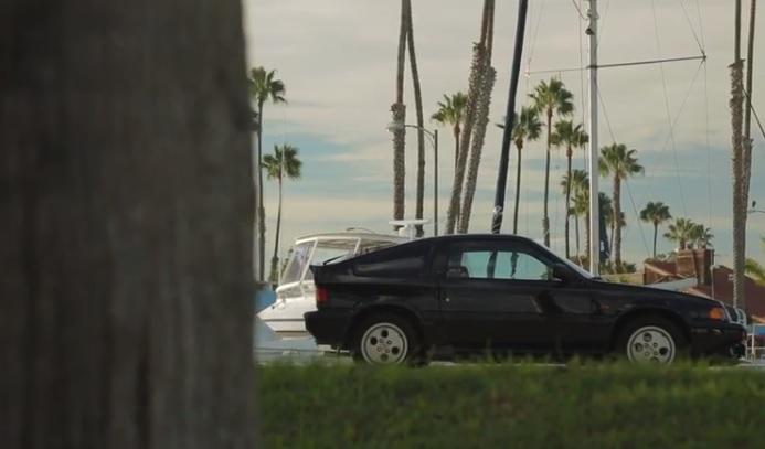 Petrolicious nos da a conocer muy de cerca a un Honda Civic CRX Si y a su dueño