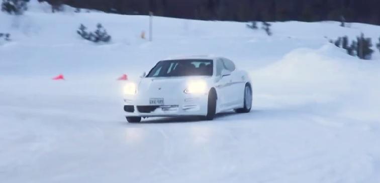 Así de bien se desenvuelve el Porsche Panamera S E-Hybrid en la nieve