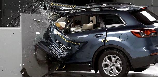El Mazda CX-9 fracasa estrepitosamente en los test del IIHS