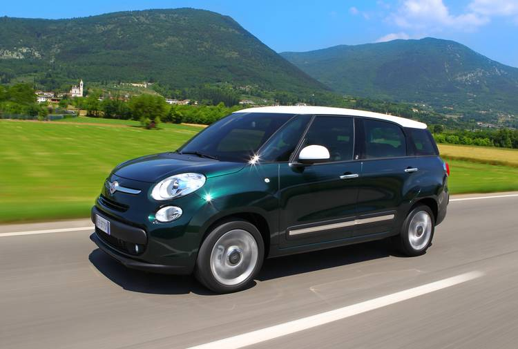 Fiat_500L_Trekking_Lite-Living_Pop_Star_6_MotorDigital